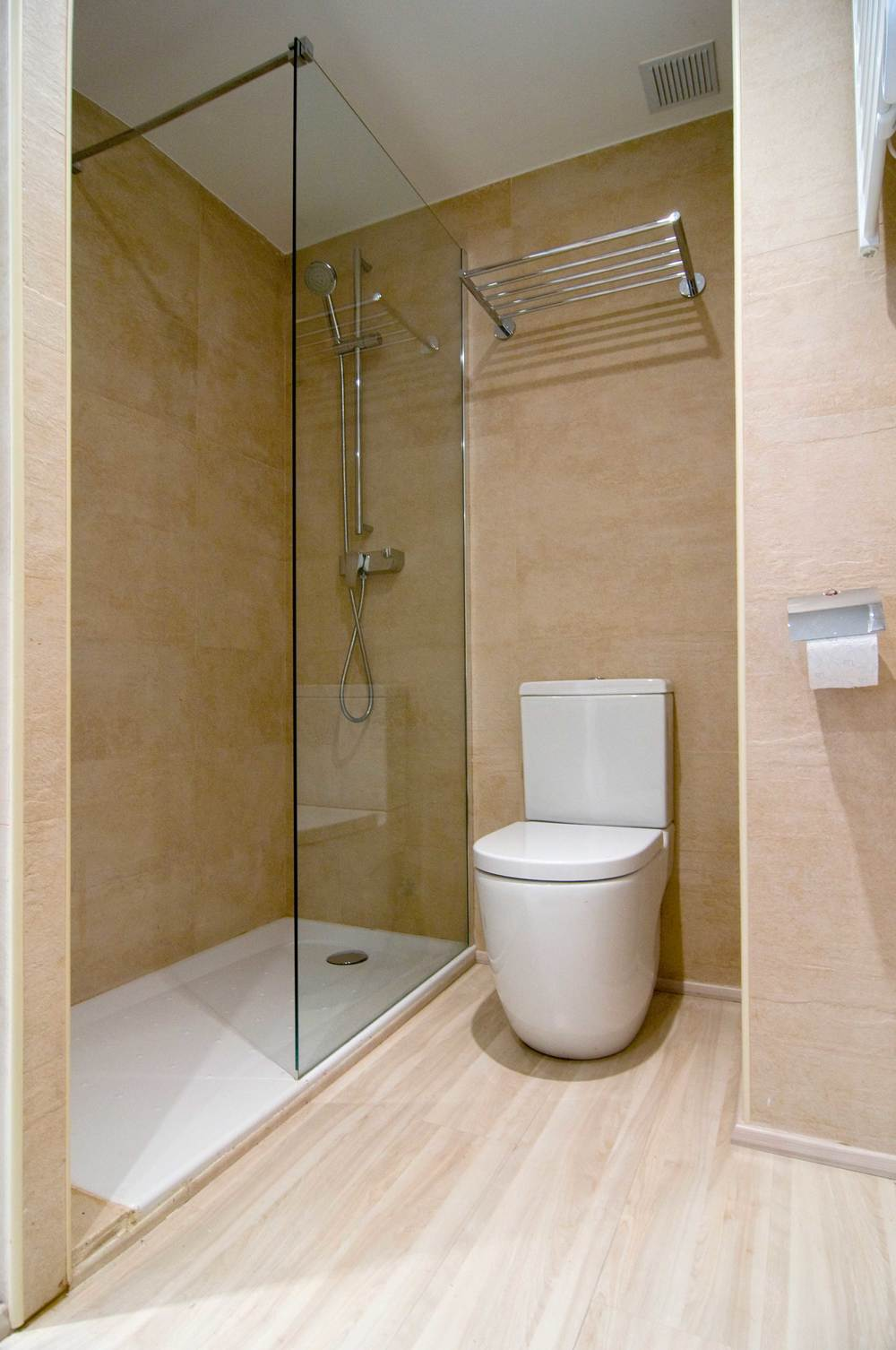 Cerdanya_Llivia_homerenovation_shower.jpg