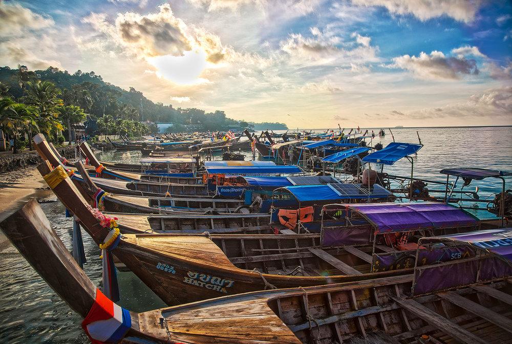 Thailand_PhiPhi_LongBoats_01_webuse.jpg