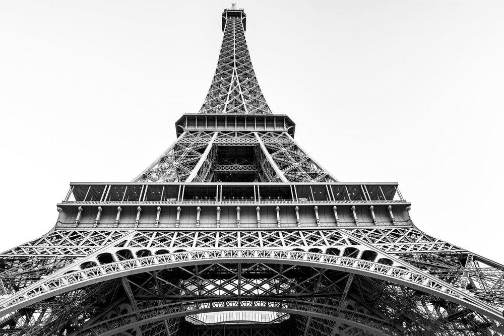 France_Paris_Eiffel_daytime_02-bw_webuse.jpg