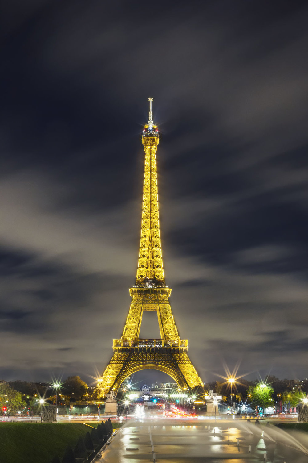 France_Paris_EiffelTowerTwilight_11_webuse.jpg