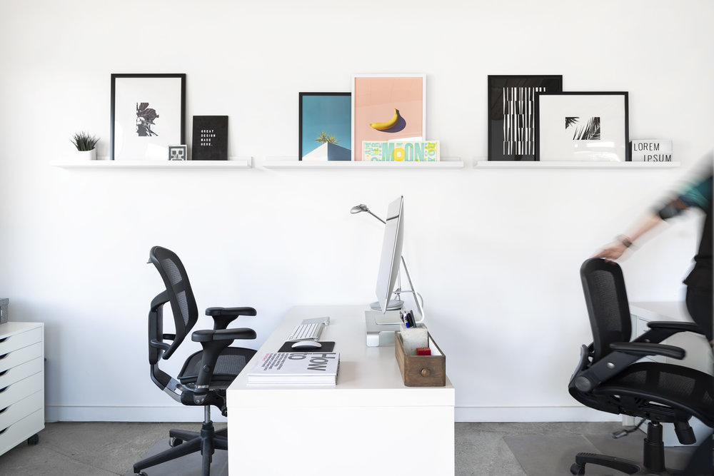 VisualSoldiers_ATLOffice_11.16_2018_Desks_02_people_01.jpg