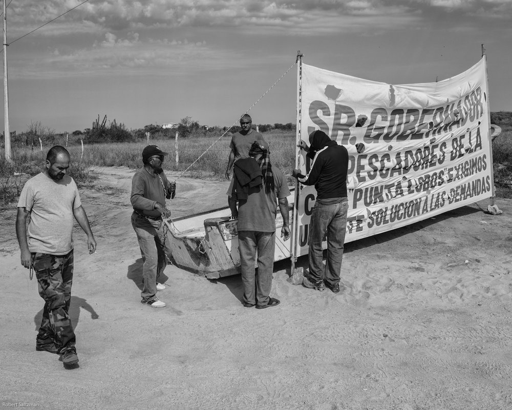 The Second Fishermen's Blockade to stop the construction of Tres Santos. Photo by Robert Saltzman