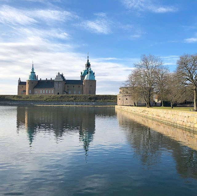 When #home is so beautiful you wonder why we leave, seeking to discover the world, and end up living in overcrowded, polluted cities.. time for a reverse #braindrain? Digital #nomads should look to beautiful #kalmar as a new base!