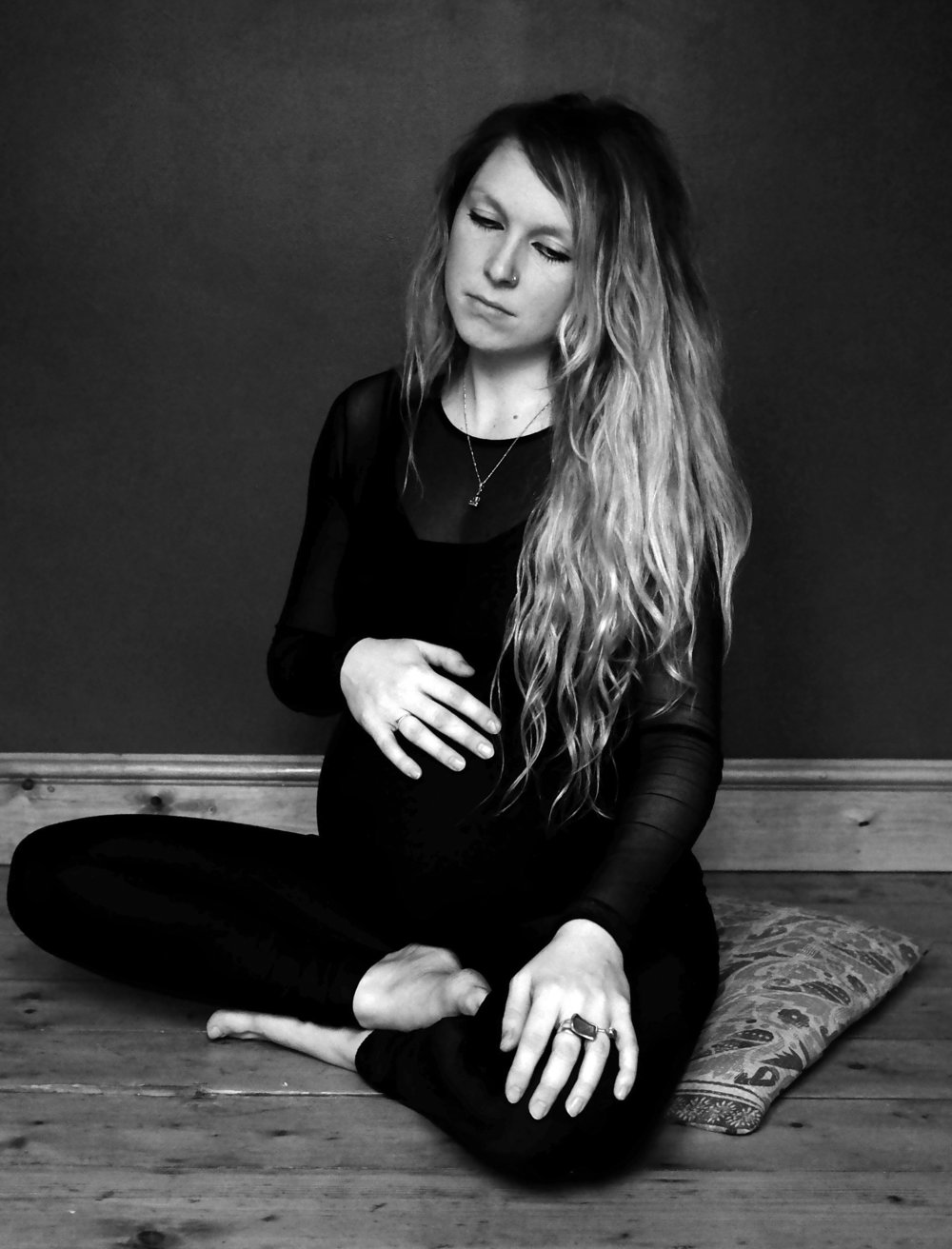 LUCY YOGA_53 b and w.jpg
