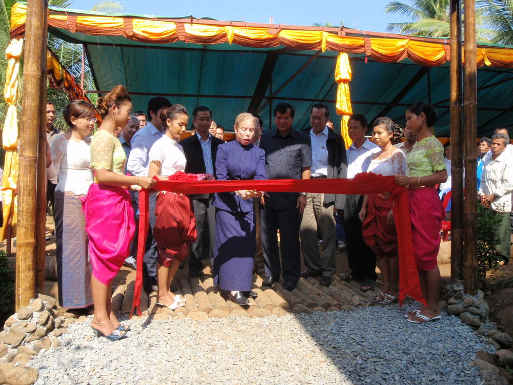 Community-based ecotourism opens in Chi Phat, 2009.