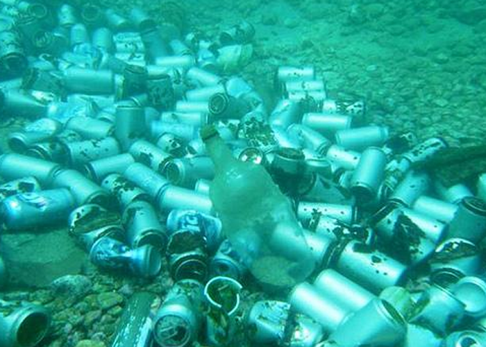 scuba-cans-on-the-ocean-floor.png