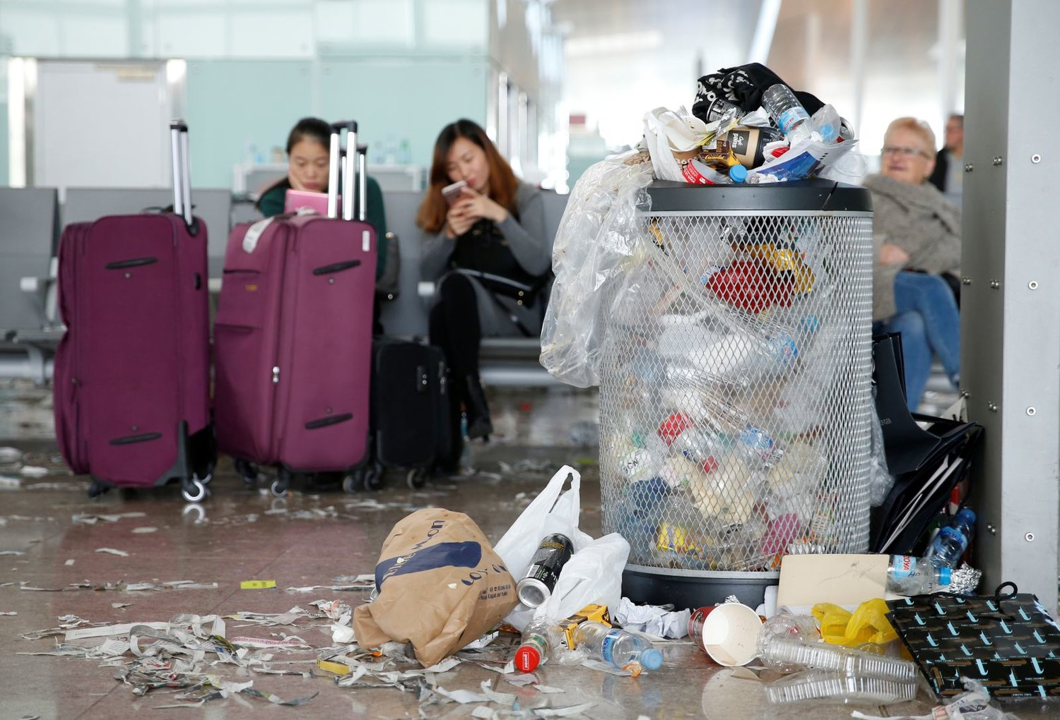 Advice From A Flight Attendant How To Fly With Less Plastic