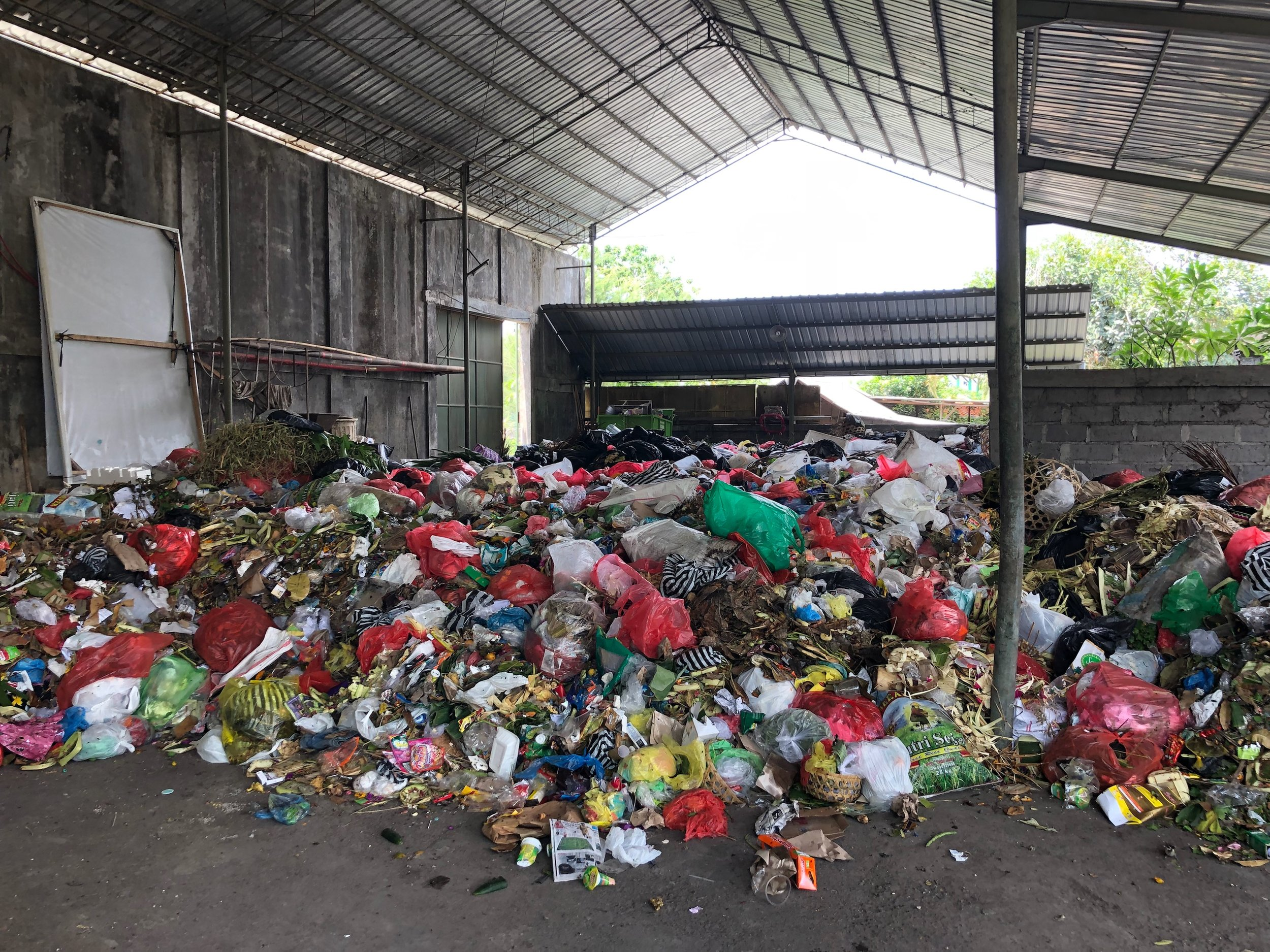 157,000 Shipping Containers of U S  Plastic Waste Exported