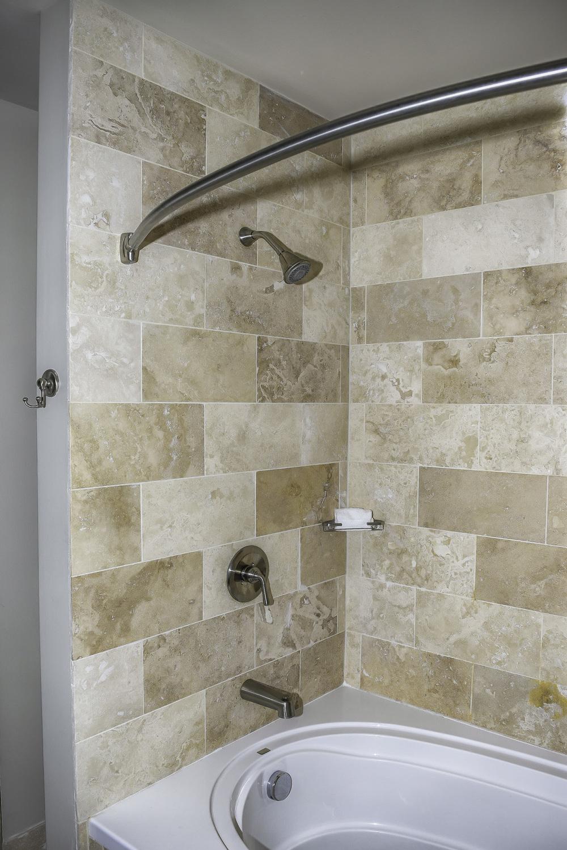 3604 Bath 3.jpg