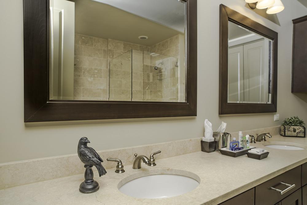 702 Bath 2.jpg