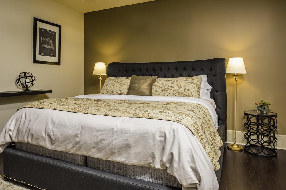 702 Bedroom 2.jpg