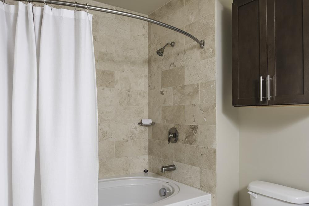 2603 Bath 1.jpg