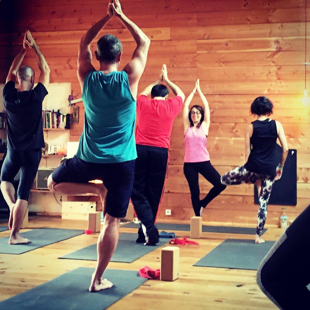 louise teaching yoga on teacher training in france.JPG