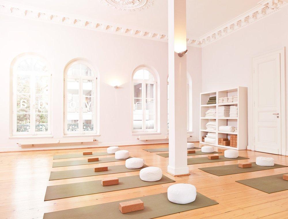 white-yoga-room.jpg