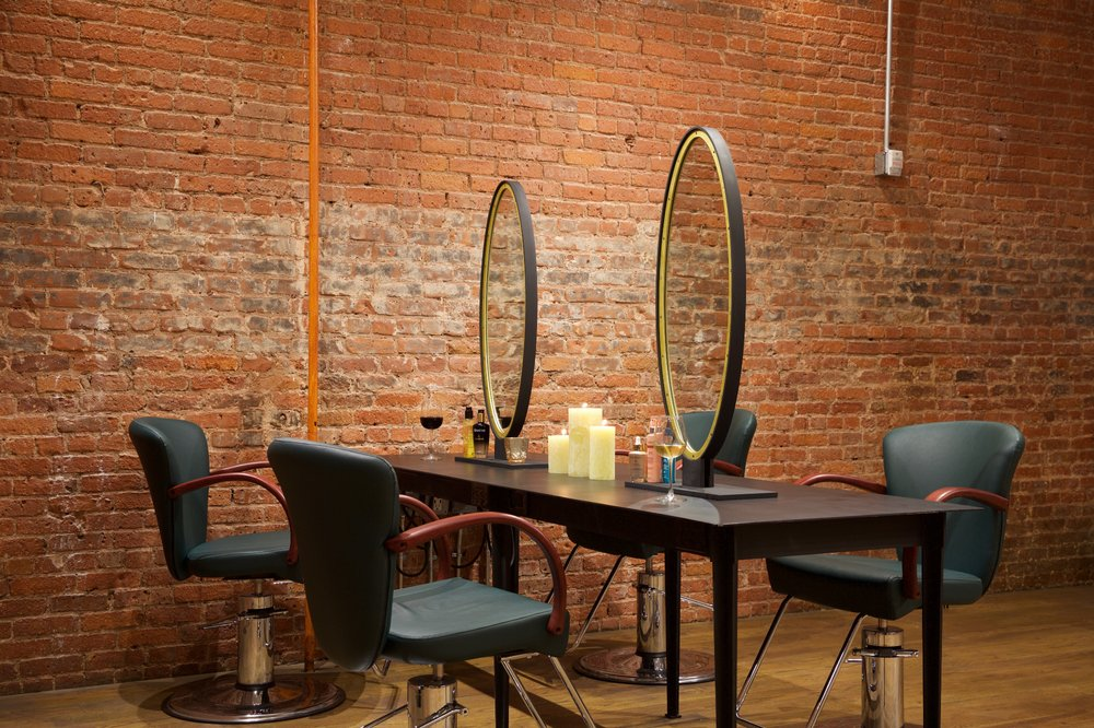 Salon Hours: Open daily from 10AM to 8AM Location: 345 West Broadway, New York Email: westbroadway@mldnewyork.com Phone: 212 390 8666 Website: click here Instagram: click here