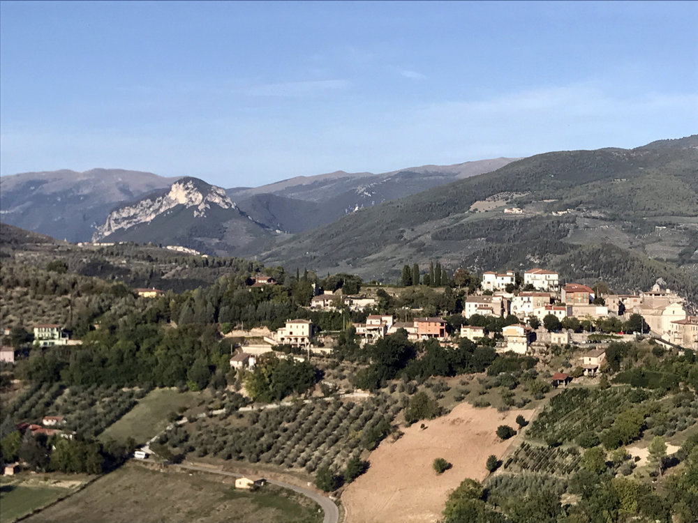 Two weeks of drawing, writing and painting at  La Romita School of Art – inspired by these lovely Umbrian towns. Above you see Collestatte, Italy, a town of 400 people built inside the walls of a medieval castle.