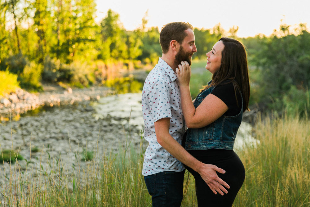 What you should know when you're pregnant with your first jennie guenard photography fishcreek park calgary maternity photographer