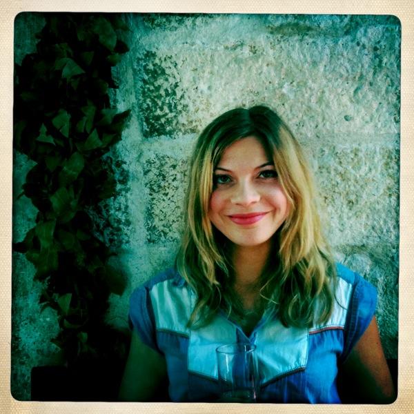 Anna Hart