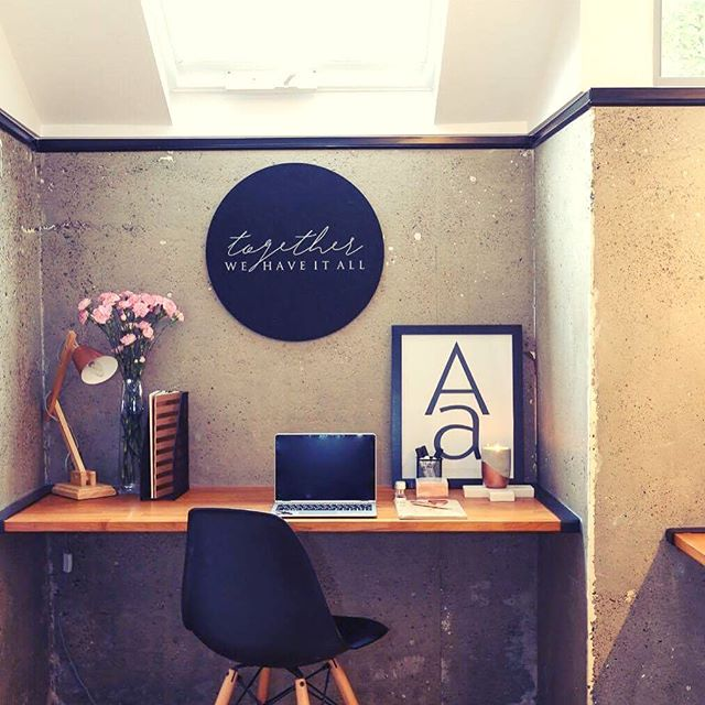 Imagine taking care of your life admin in this space! @zoubuild you've nailed this 🙌🏼 Check out our Together printed pin board sitting pretty, the perfect spot to pin your bills and reminders 🖤 #lifesorted