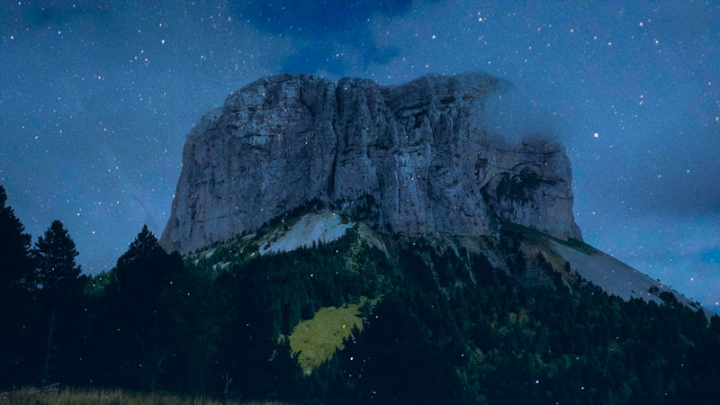 Mont-Aiguille-Nuit-Small.jpg