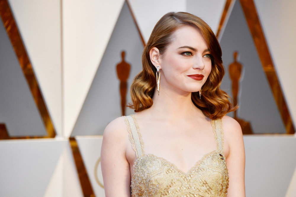 Emma-Stone-Oscars-2017-Red-Carpet-Fashion-Givenchy-Couture-Tom-Lorenzo-Site-1.jpg