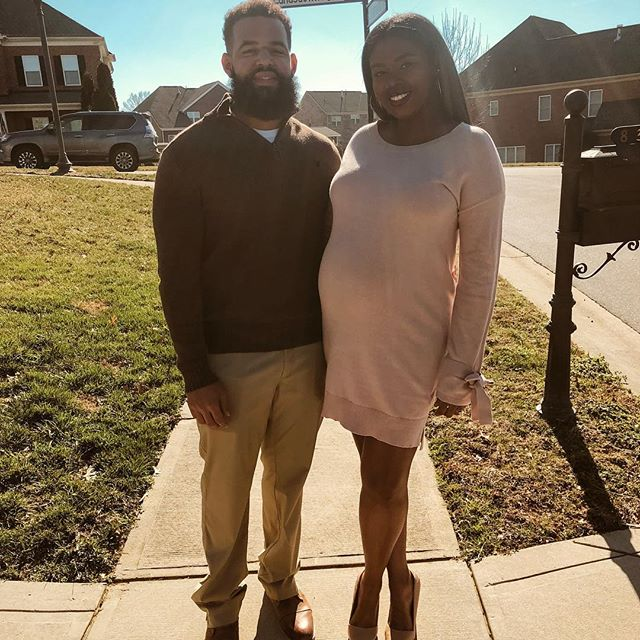 #fallinforthepruntys  It's not often you get us outside of work clothes. So we have to document these few moments lol  #21weekspregnant #kariblue #fallbanquet #style