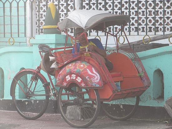 1.1301480402.pedicab.jpg