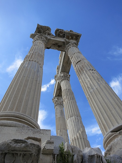 3.1364419864.columns-of-temple.jpg