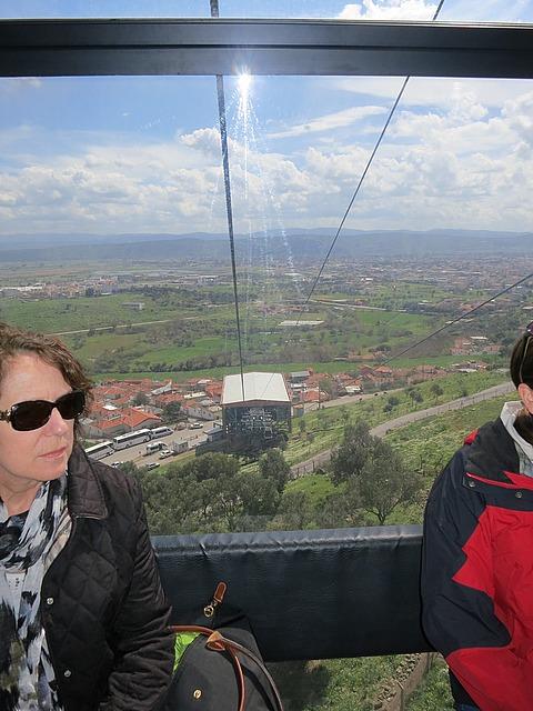 3.1364419864.on-the-gondola.jpg