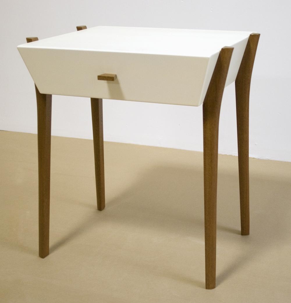 End_table_white.jpg