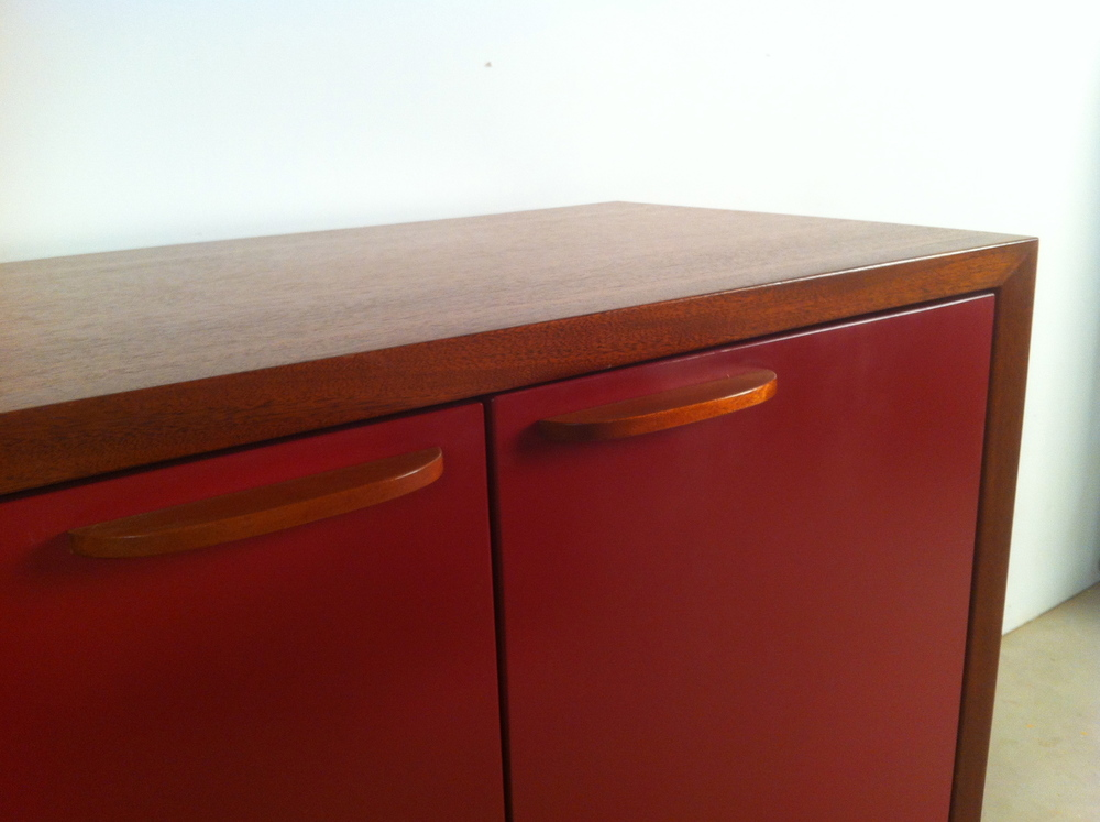 Cranberry_Credenza_close-up.JPG