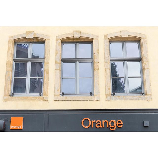It's nice of them to label the color 😉. Thionville, France. . . . . . #thionville #france #orange #window #travel #travelphotography #traveldeeper #tlpicks #europe #latergram
