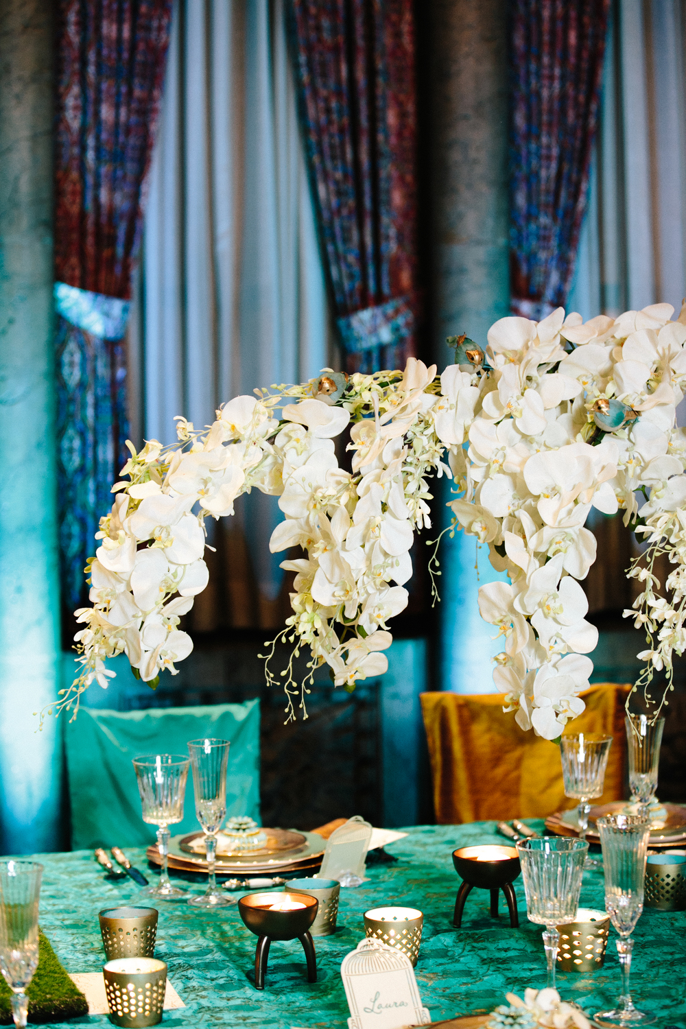 Teal, Gold, and White Wedding Decor | Navjot Design | Couture Wedding Designer and Florist in Dallas | SYPhotography