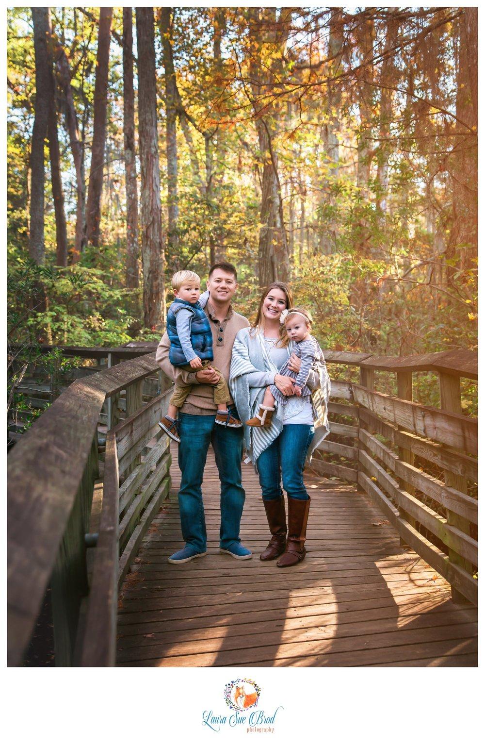 FallfamilysessionNorfolk- LauraSueBrodPhotography.jpg