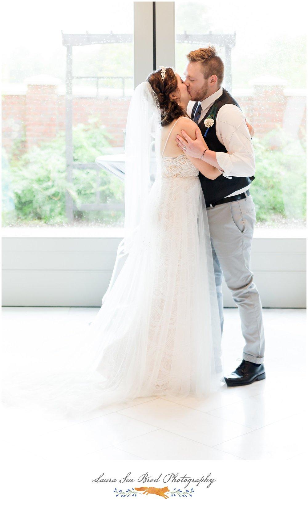 wr.Norfolk Wedding - VanBruggen - 3680.jpgNorfolk VA Wedding - The Van Bruggens - Laura Sue Brod Photography