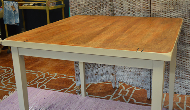 pub table3.jpg