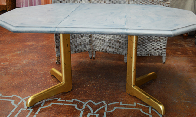 Gilded Pedestal Table7.jpg