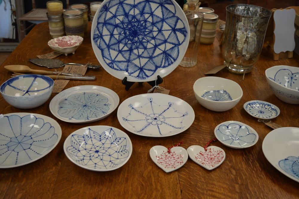 Spako Clay - Hand-drawn glazed designs on porcelain