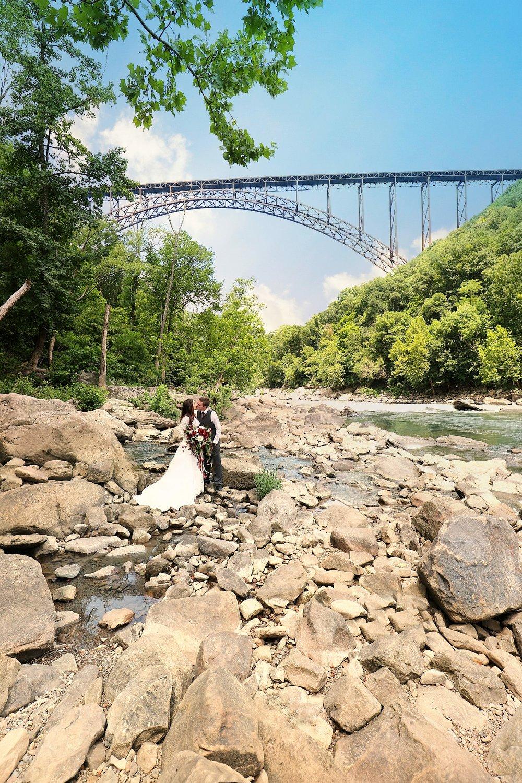 BethanyKing-WeddingPortraits-NewRiverGorge-1.jpg