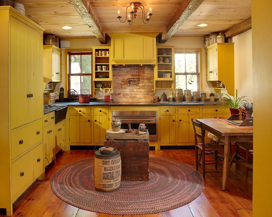 yellow kitchen.jpg