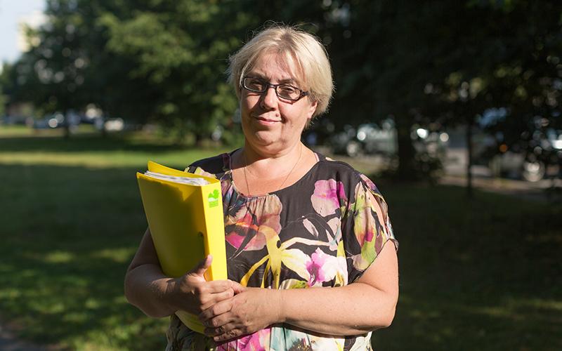 ИринаМалиновская - Ирина Малиновская, магистр педагогики и образования, является большим энтузиастом-тренером юных дебатчиков, воспитала группу спикеров, занявших призовые места в Латвийском Национальном турнире по дебатам (на английском языке). Имеет 12-летний опыт преподавания английского языка, является учителем 4 категории, известна своей работой по воспитанию талантливой молодежи посредством дебатов и международных проектов.