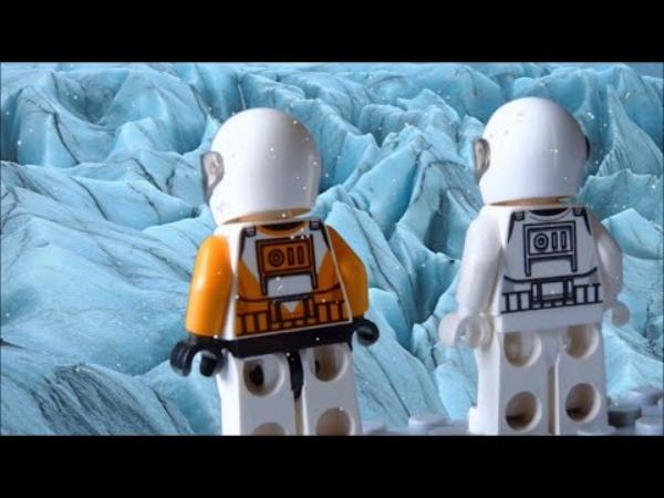 lego astronauts.jpg