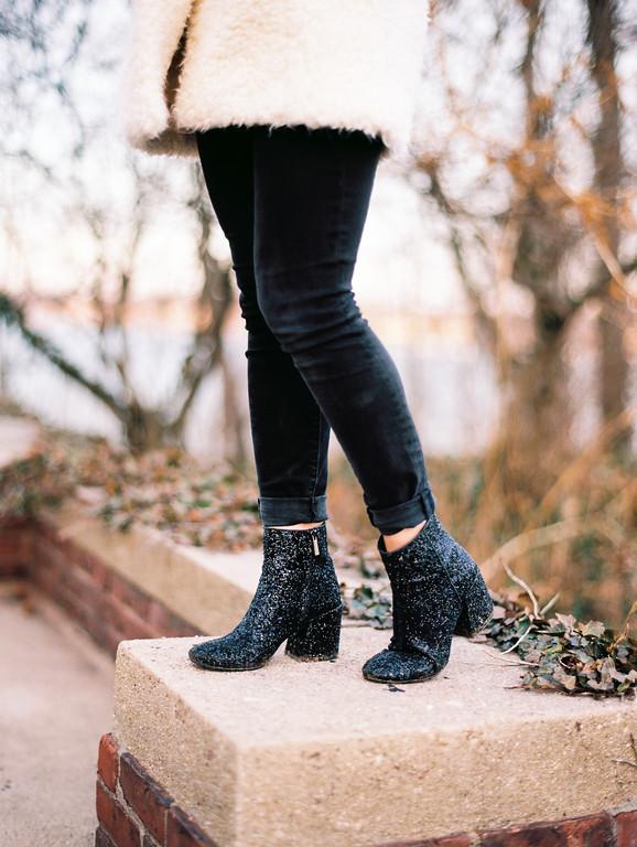 blackglitterboots.jpg