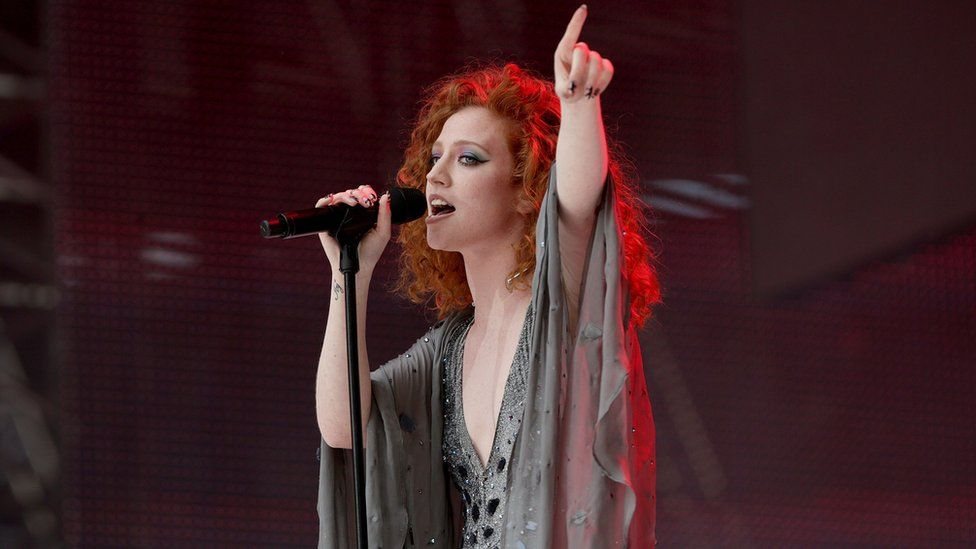 jess glynne later with jools holland.jpg