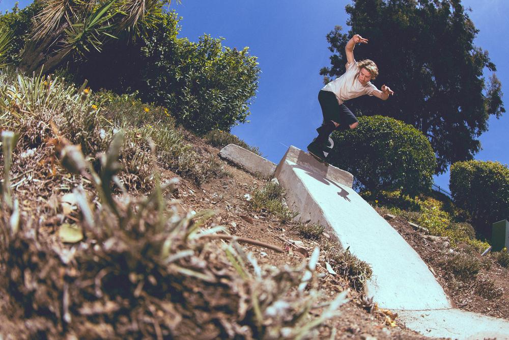 Zach Casas - Nose Blunt