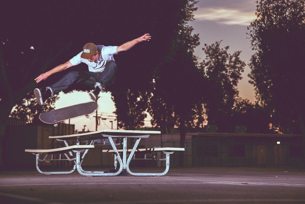 Austin Squire - Kickflip