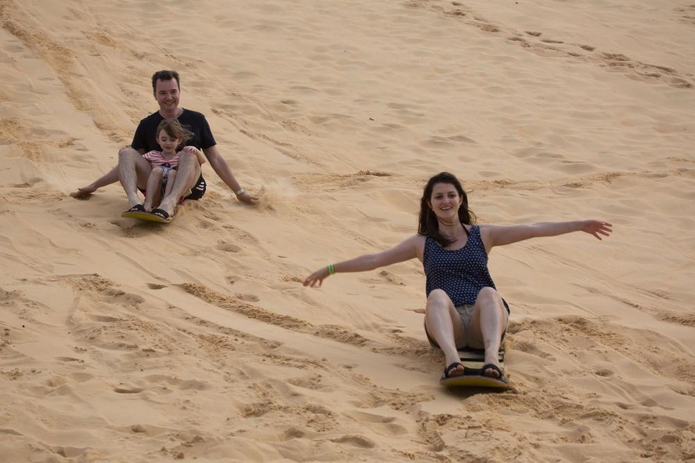 031_turista_sand board.jpg