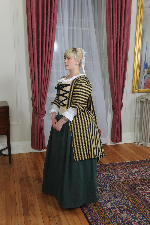 18th Century Pet en l\'Air — Holly Anderson