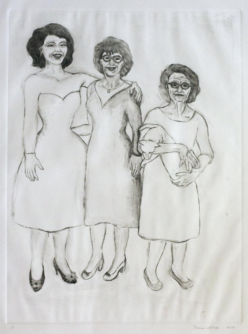 Abuela, Tia, el Gato y Yo
