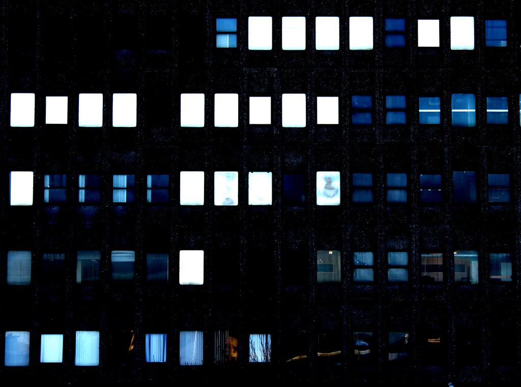 sickpage :      Thewolfe Jim   window 3,  2011